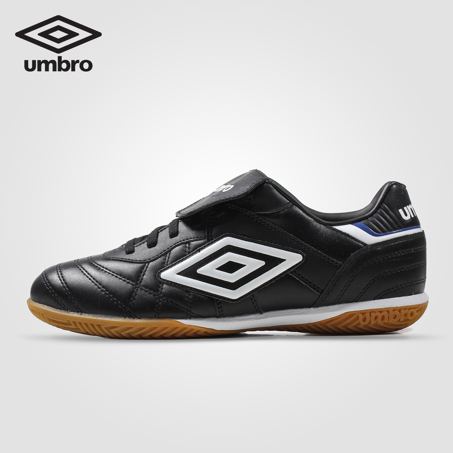 Umbro Football Shoes Men IC Non-Spikes Antiskid Wear-resistant Adult Profession Training Shoes Soccer Shoes Ucb90115 umbro football shoes men breathable rubber antiskid hg professional competition training football boots soccer shoes ucb90129