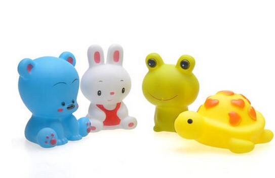 Juguete del baño de agua niño lindo animal de la historieta de baño del bebé recién nacido flotador de goma suave compresión de sonido de juego de baño de juguete agua pulverizada 4 unids/set