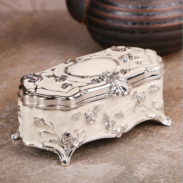 Small Size Vintage Jewellery Case Fashion Jewelry Box White Enamel