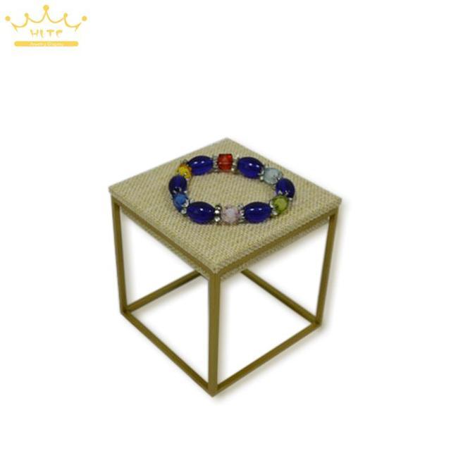 Jewelry Display High Quatity Stainless Steel Linen Jewelry Tray 9*9*9cm Beige Bracelet Display Watch Stand Organizer Showcase