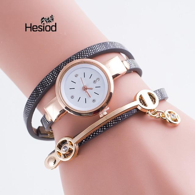 1deaadb3ced Novas Mulheres Da Moda Pulseira de Relógio de Ouro As Mulheres Se Vestem  Pulseira de Couro