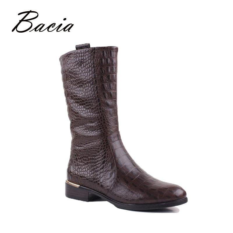 Bacia en relieve de cuero genuino de piel de becerro botas de tacón bajo zapatos de cuero mujer invierno corto de peluche de moda breve zapatos de estilo VB055