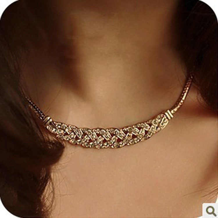 Summer Style Crystal Spiral Necklace For Women Chokers Necklaces Fashion Necklaces Pendants Vintage Snake Chain Necklace Jewelry