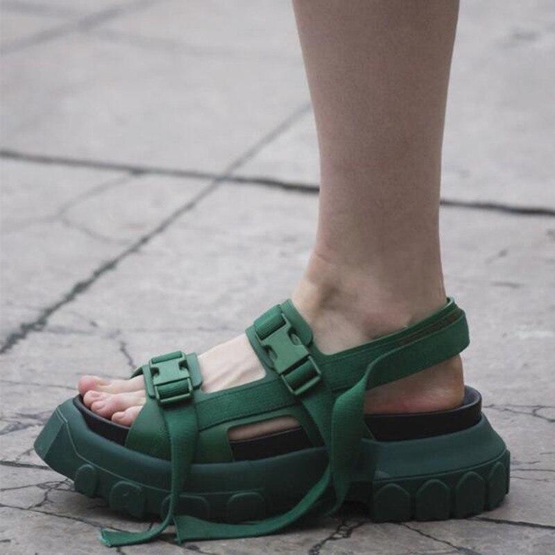 Nouveau Design D'été Femmes Casual Sandales En Cuir Véritable Femelle Creepers Confortable 6 CM Talon Chaussures Femme Sandalia Feminina 2018