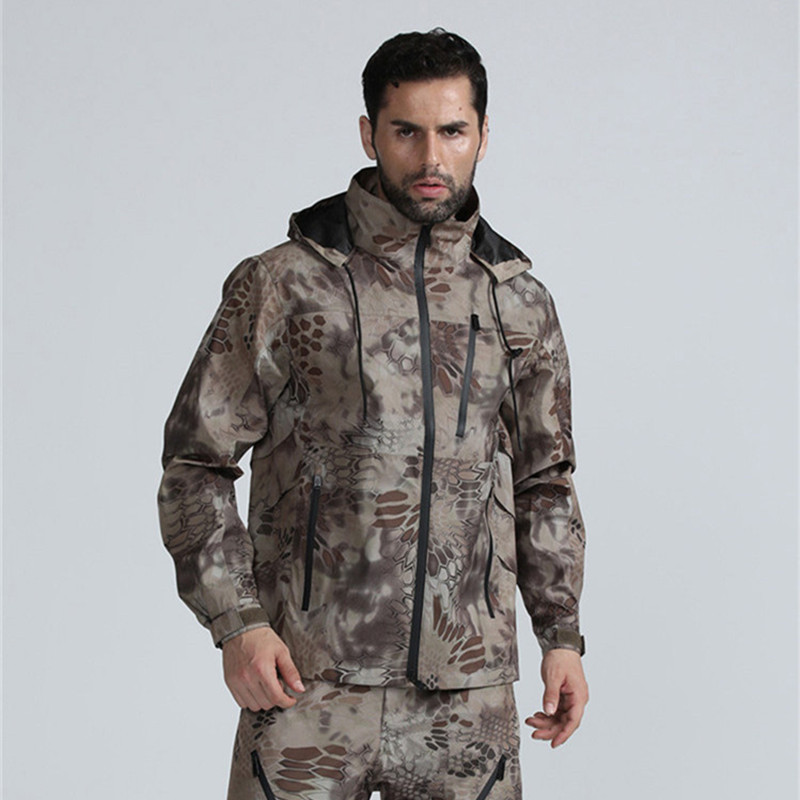 Lightweight Waterproof Breathable Camo Hooded Coat Men's Sweaters/Coats/Jackets Outdoor Survival Tools