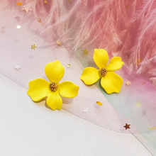 New flower earrings Korean personality wild long temperament stud earrings female jewelry три шага на данкартен