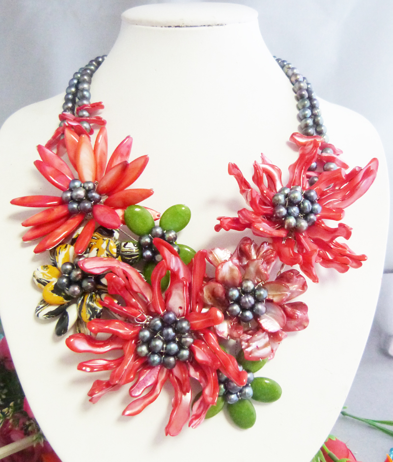 N 2017 5 12 11 30 Classic romantic Africa shell flower necklace