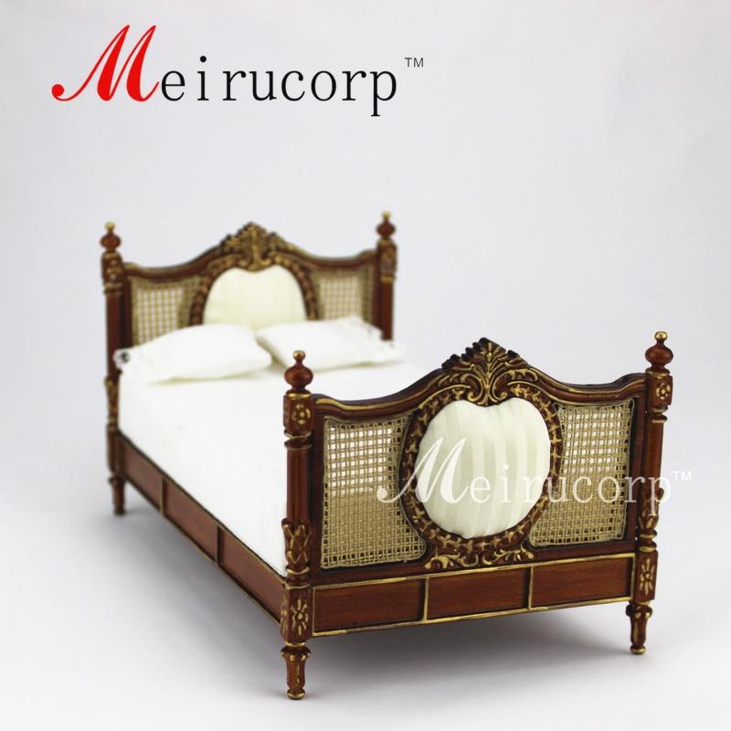 Dollhouse Fine 1:12 scale miniature furniture Luxurious Handmade gilt Bed fine furniture стол журнальный