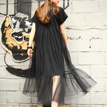цены на 2019 Large Size Black Stitching Net Yarn Round Collar Short Sleeve Summer New Fashion Size Loose Dress Women
