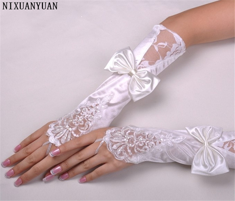 New Arrival White And Ivory Lace Wedding Bridal Gloves 2020 Beaded Sequined Fingerless High Quality Gloves Bride With Bow