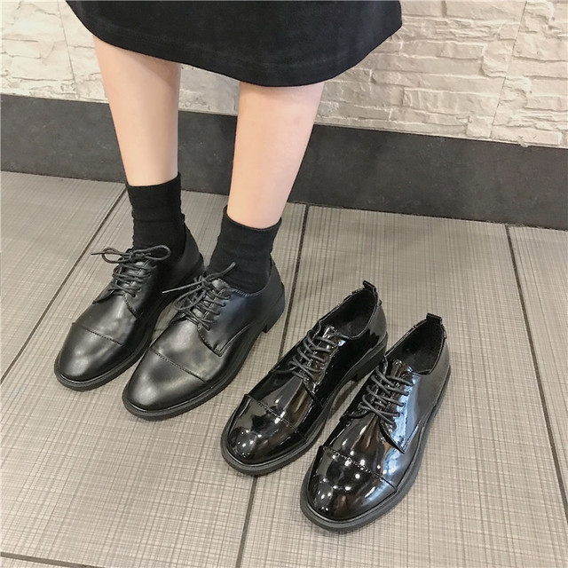 fc64ab34faf5d Spring Black Oxford Shoes For Women Lace Up Leather Flats Comfortable Flat  Heel Casual Vintage Shoes Square Toe British Style