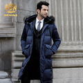 Mapache Cuello de Piel de Los Hombres abajo chaqueta Larga abajo la capa Azul los hombres de moda de largo por la chaqueta de La pluma blanca gruesa de invierno nueva