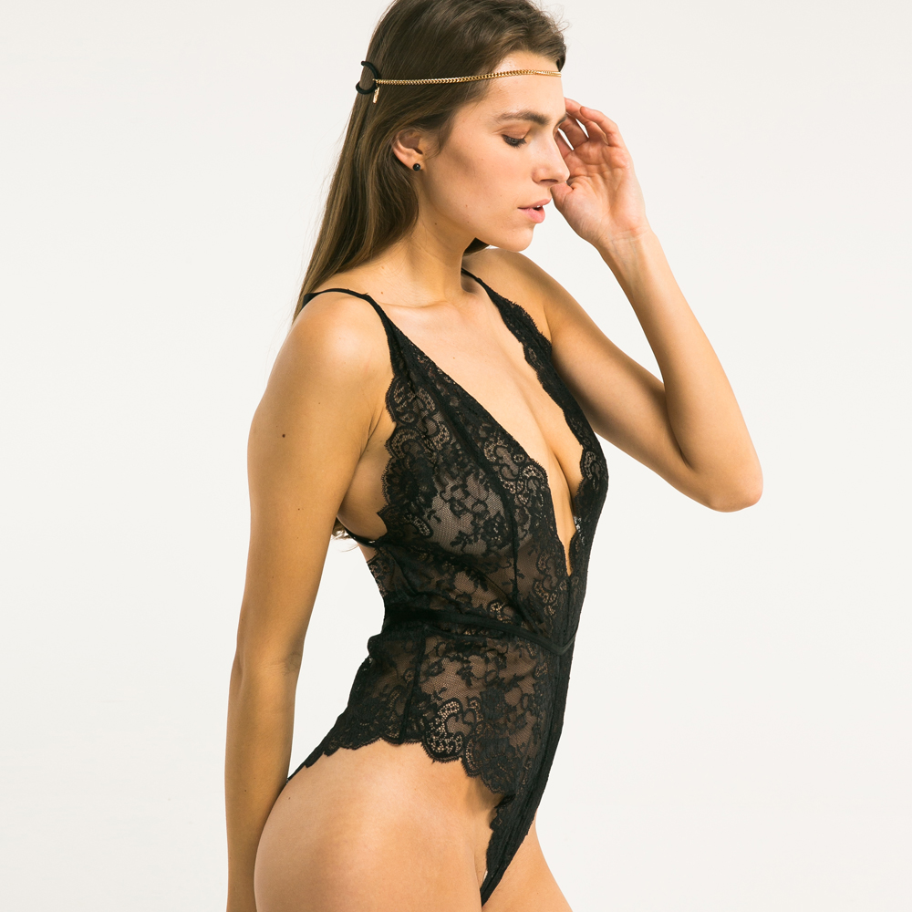 Black cross straps back body 1