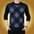 The new 2016 thickening sweater male round collar Grid fashion sweater