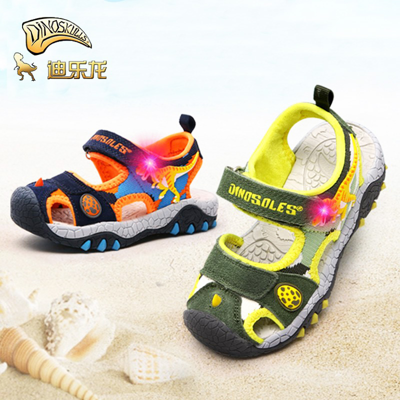DINOSKULLS Dinosaur Childrens Sprots Shoes Sandals Boys Luminous LED Closed Toe Breathable Kids Summer Cut-outs Beach SandalsDINOSKULLS Dinosaur Childrens Sprots Shoes Sandals Boys Luminous LED Closed Toe Breathable Kids Summer Cut-outs Beach Sandals