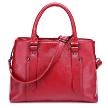Очарование в руках заклепки роскошные женщины кожаные сумки элегантный натуральной кожи сумку женщины женщины сумки ретро сумка