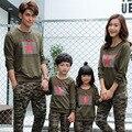 Familia a juego de ropa de Otoño 2017 del ejército verde camuflaje sudaderas camisetas de manga larga Paquete de La Familia