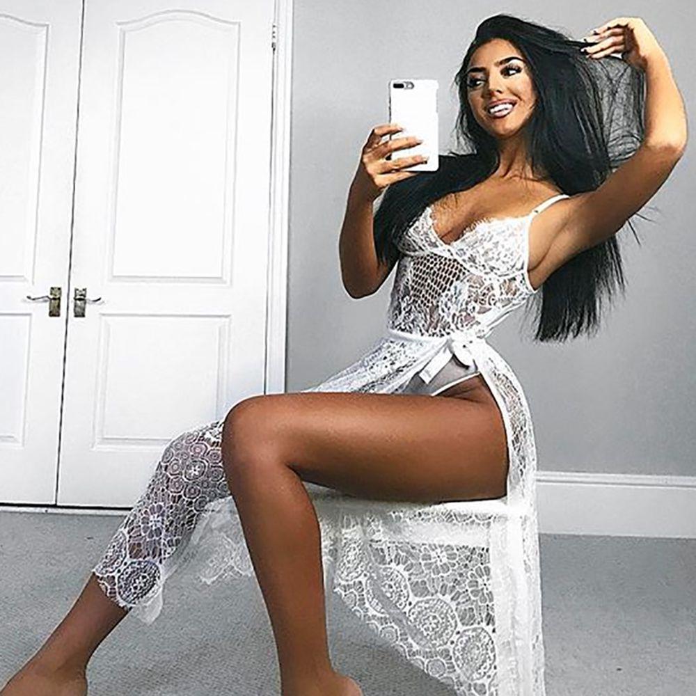 Frau in unterwäsche selfie