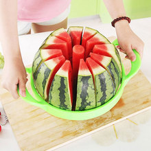 Kitchen gadgets: Stainless Steel Watermelon Slicer