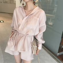 ฤดูร้อนผู้หญิงกางเกงชุดลูกไม้ขึ้นสองชิ้นชุดผ้าไหมน้ำแข็งสบายๆสีทึบOffice Ladyชุด