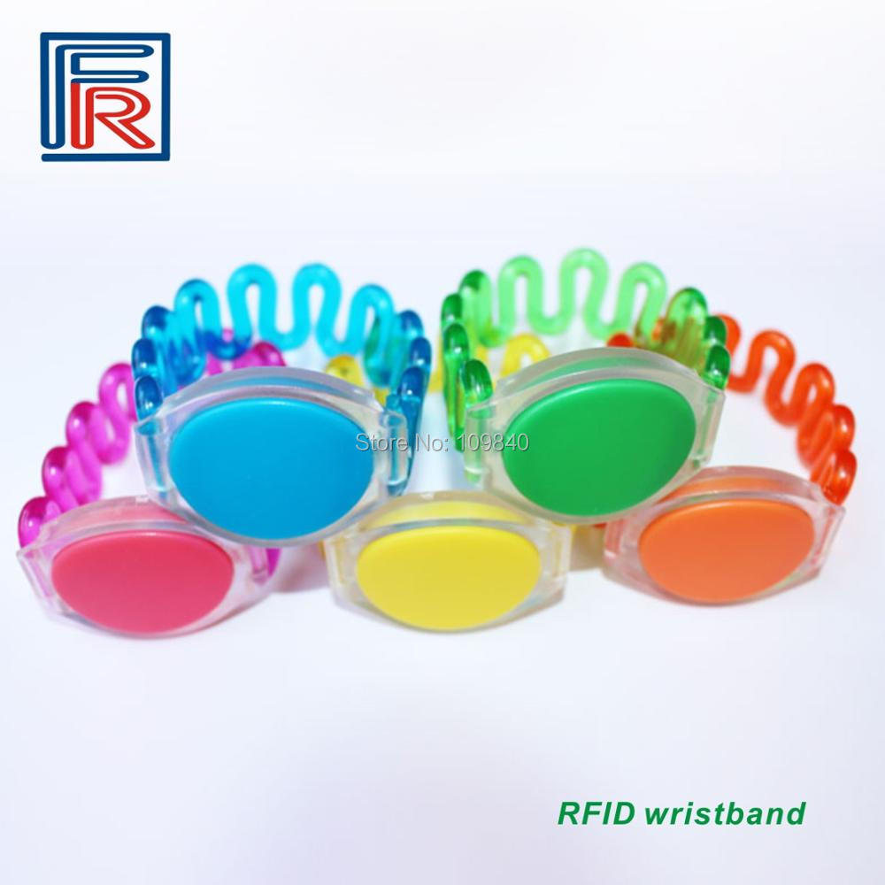 2016 High quality RFID waterproof wristband with ISO14443A 1k BYTE chip for swimming pools water park watch card 50pcs