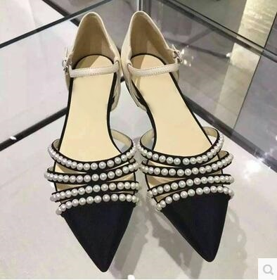 ФОТО Newest 2017 White pearls embellished ankle strap flat sandals Pointed toe cut-out women shoes high quality hollow flat female