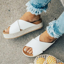 купить Hot 2019 Summer Fashion Slippers Shoes Woman Slides Flat Soft Outdoor Antiskid Women Shoes Beach Sandals Zapatos De Mujer по цене 918.67 рублей