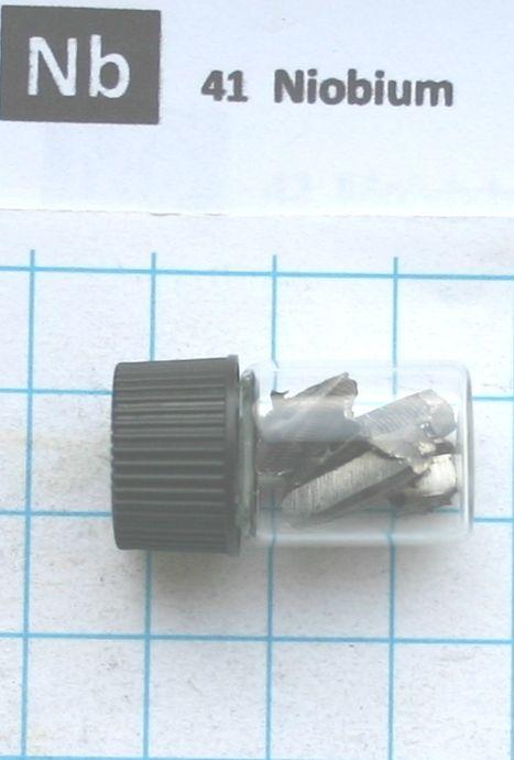 5 gram 99,95% Niobium metal in glass vial - Pure element 41 sample 5 gram 99 9% dysprosium metal in glass vial pure element 66 sample