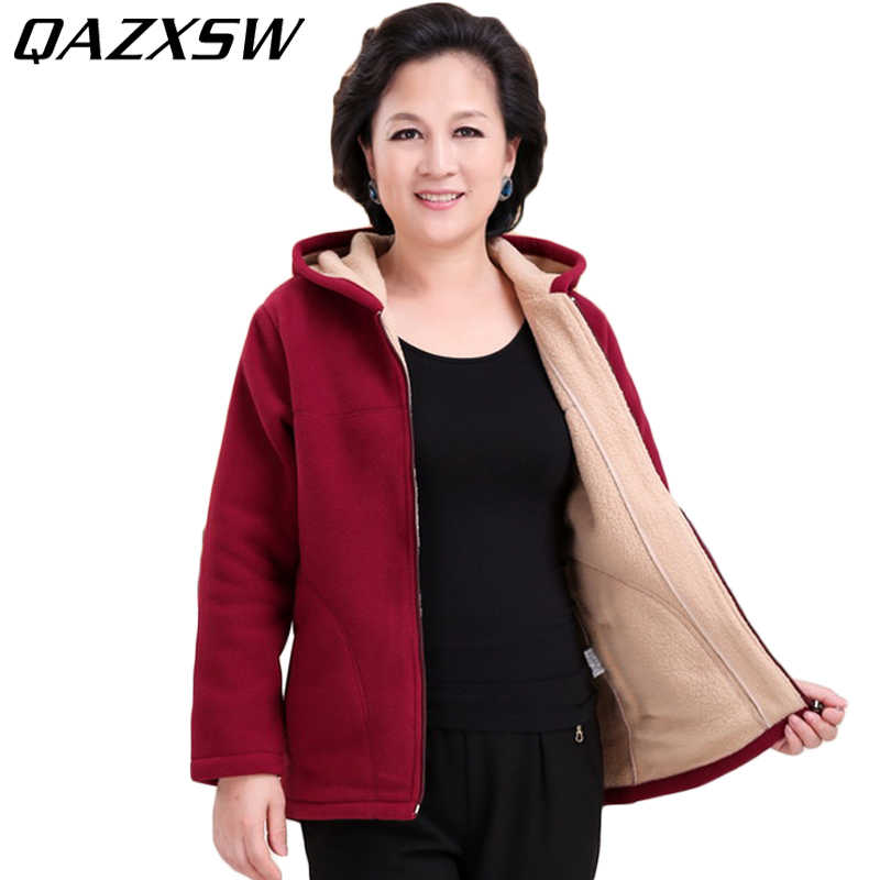 b434f591778 QAZXSW 2017 Middle-age Women Plus Size Fleece Hooded Cotton Coat Winter  Jacket Wool Liner