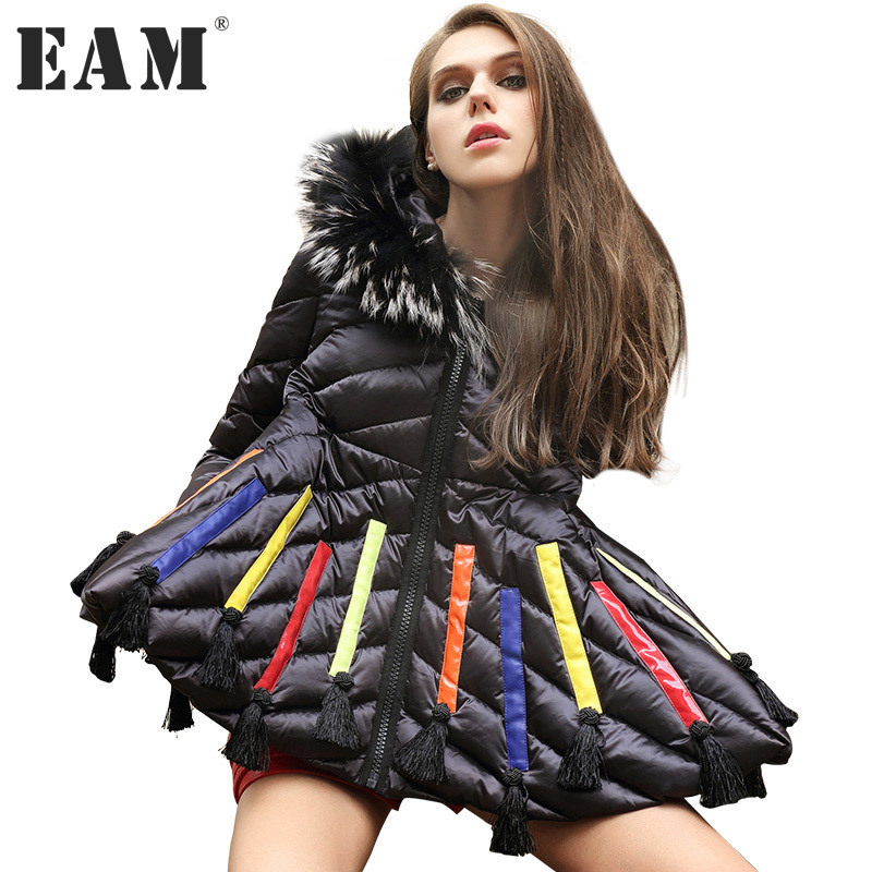 [EAM] 2017 Winter Clothes Racoon Hair Collar Keep Warm Coat Woman Hooded Long Sleeve Big Swing Jacket Tide YA31801 roomble люстра racoon white