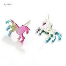 LPHZQH Барвисті сережки для коні для жінок Cute Shining Серьги для тварин Однорічна сережки Party Подарунки Аксесуари