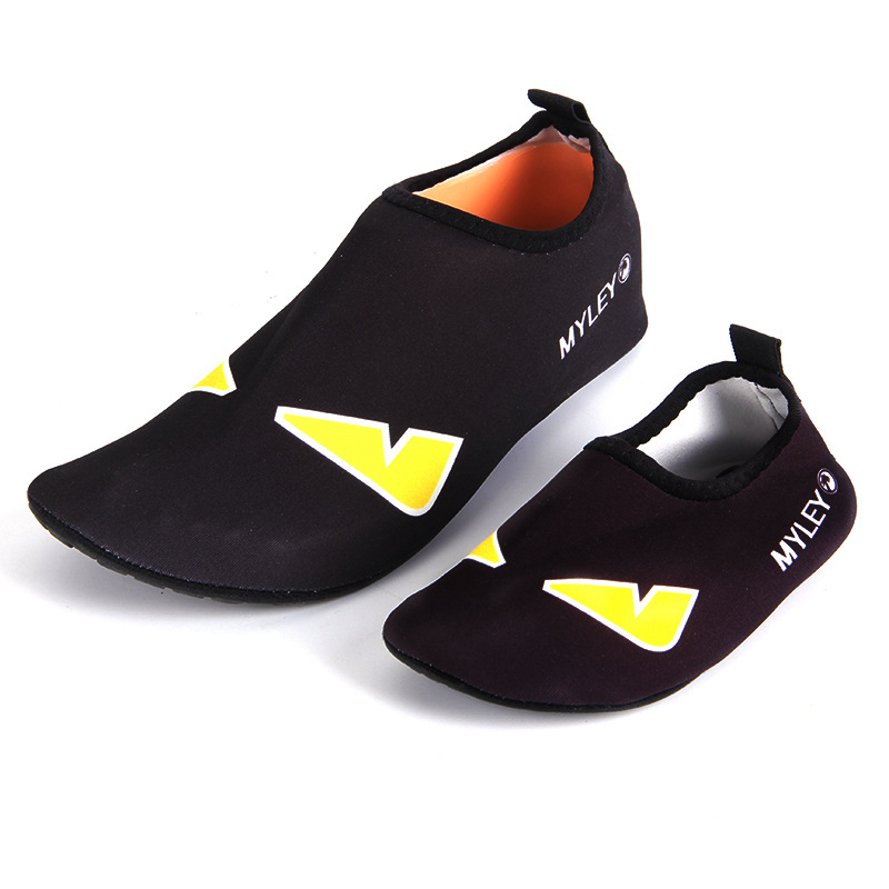 Parent-child beach swimming shoes cartoon printing quick-drying shoes barefoot wading shoes 2 style size 24-45