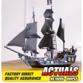 804pcs New LEPIN 16006 classic movie The Black Pearl Building Blocks Set Compatible 4184 children Gifts