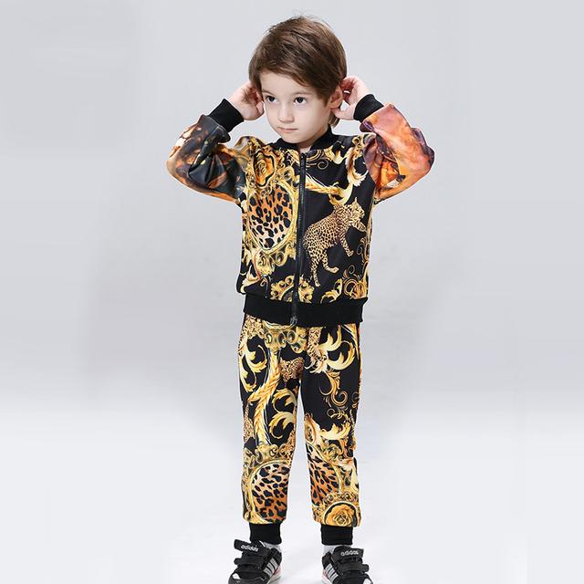 Estampado de leopardo Ropa de Los Muchachos Fijó Otoño Primavera 2016 Nueva Chaqueta de Deporte de Los Muchachos de Moda Pantalones Largos Pantalones de los Niños Que Arropan el sistema