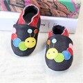2017 NUEVO Patrón de la Historieta de Cuero Genuino Suave Zapatos de Bebé Primeros Caminante Del Niño Del Bebé Mocasines antideslizantes Para bebé Zapatos marginales