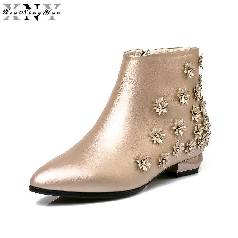 XiuNingYan Genuine Leather Boots Flower Square Heels Autumn Winter Ankle Boots Sexy Martin Fur Snow Boots Shoes Woman Size 34-40 new high quality genuine leather boots rivets square heels autumn winter ankle boots sexy fur snow boots shoes woman size