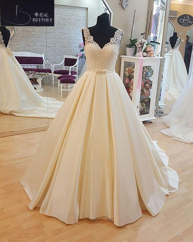 Simple Wedding Dress Satin V Neck Lace A Line Bridal Gowns Backless Sexy Wedding Gowns 2018