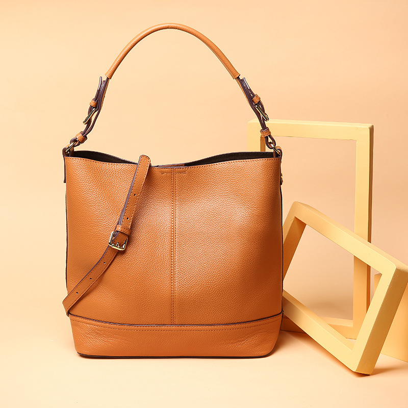 New women genuine leather handbags Women's first layer of leather handbags fashion casual bucket bag Shoulder bag Messenger bags bag female new genuine leather handbags first layer of leather shoulder bag korean zipper small square bag mobile messenger bags