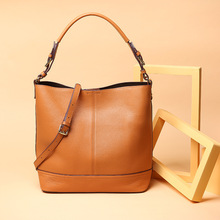 New women genuine leather handbags Women's first layer of leather handbags fashion casual bucket bag Shoulder bag Messenger bags