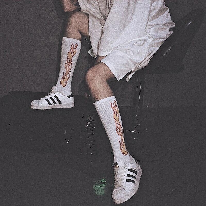 Моды хип-хоп тенденция Носки для девочек Высокая Blaze пламя огня вспыхивают Harajuku Носок улица длинные мечта дракона Запад torch light красивые носк... ...