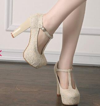 Grande taille de mode à talons hauts talon épais plate-forme femmes chaussures de mariage en dentelle ivoire talons T Strap chaussures de mariage pompes à talons Chunky