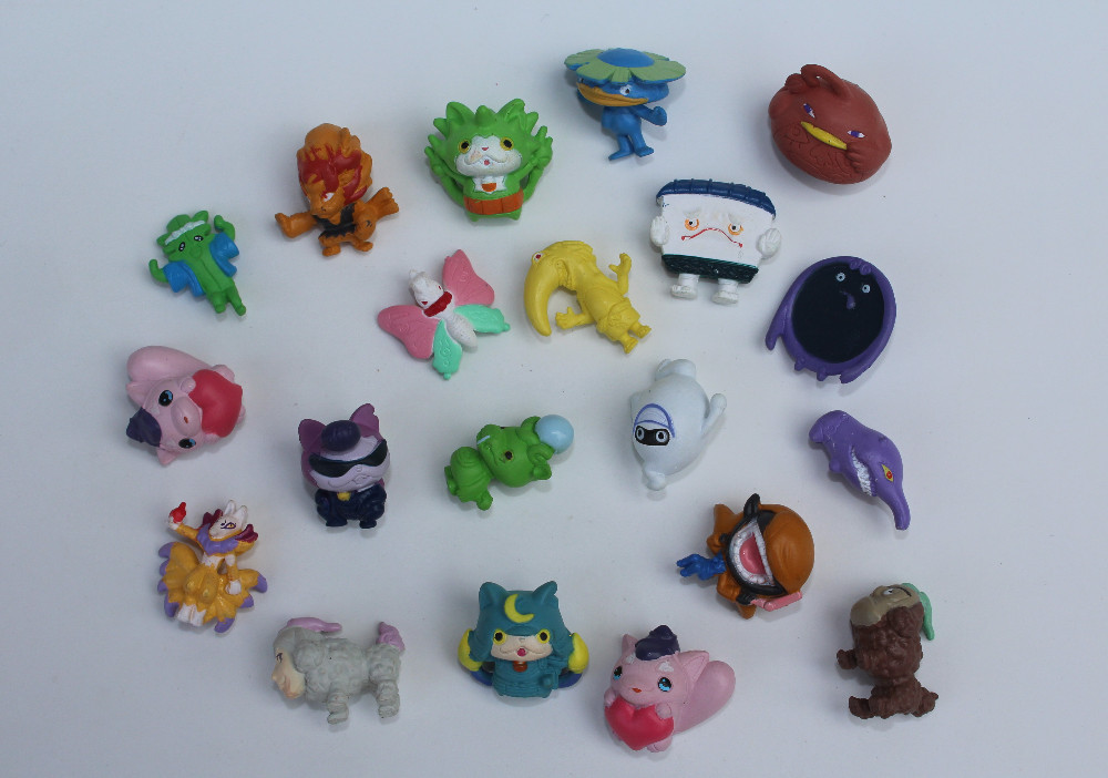 0pcs/lot YO-KAI WATCH pvc mini action figures 2-2.5cm several styles random mixed