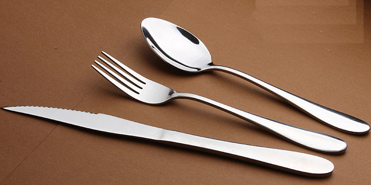 Fork and spoon outlets