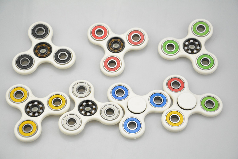 100piece lot hot selling Hand Spinner Fidget spinner Toy EDC Tri spinner Rotation Time Toy Sale