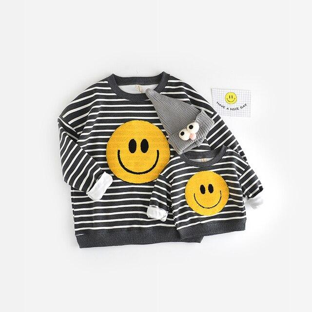 2016 новорожденных девочек мальчиков осень/зимняя одежда теплая улыбка мультфильм свитера дети пуловеры верхняя одежда свитер ребенка бесплатная доставка