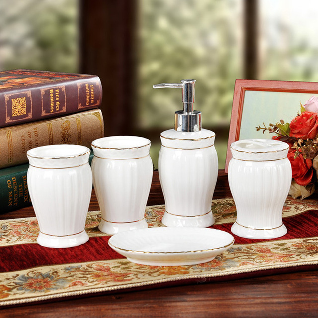 Ceramic Sanitary Ware Five Sets of Cleaning Storage and Cleaning Utensils Bathroom Accessories Accessories