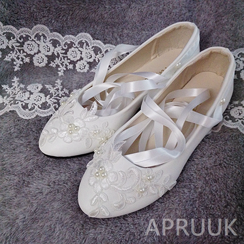Ribbon Lace Wedding Shoes Bride Flat Heel Handmade Luxury Lace Pearls White Ivory Women Bridal Flower Girls Plus Sizes Flats