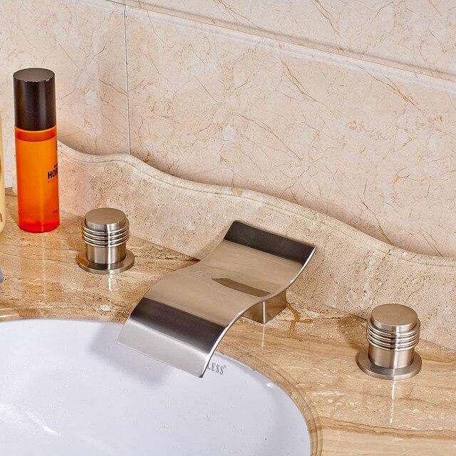 Drei Löcher Gebürstetem Nickel Bad Toilette Waschbecken Wasserhahn Mit Heiß  Kalt Rohre