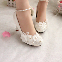Wedding shoes for women new design ivory lace low high heels flowers pearls anklet woman bridal shoe dress proms party pumps(China)
