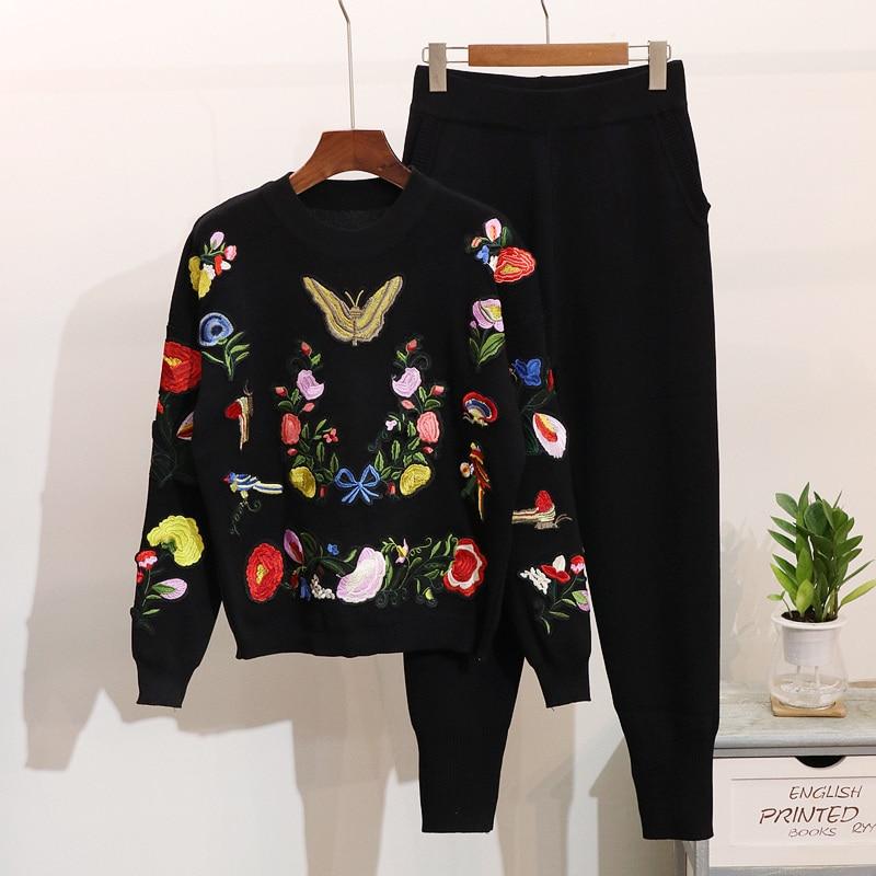 High-end Luxury Knit Pant Suit 2019 New Fashion Elegant Tracksuit Women Embroidery Sweater Pants Suits Set 2 Piece Set Women Set